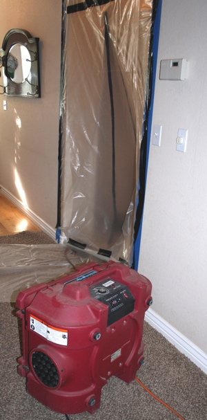 Mold Containment/Air Scrubbing